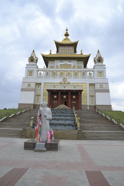 Буддистский храм в Элисте